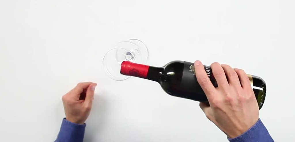 pouring-wine-into-bottle